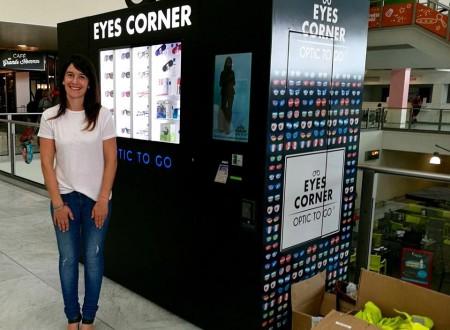Eyes corner3
