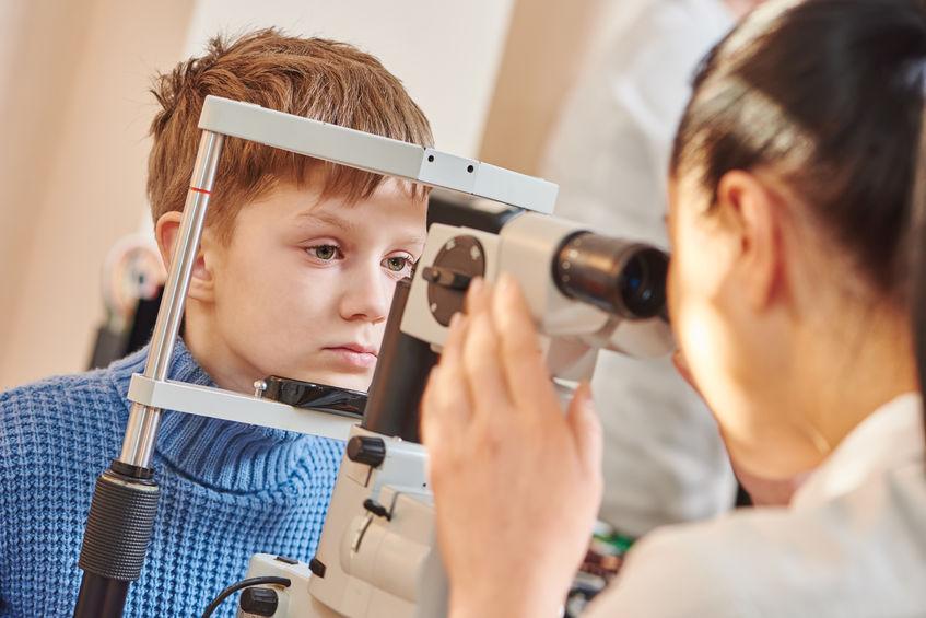 La dyslexie pourrait se trouver au fond des yeux